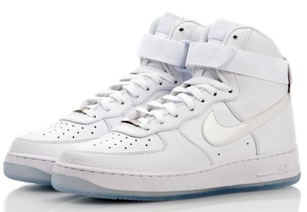 chaussures de sport afe0a 98d64 Jordan af1 all white | shoes | Nike air force ones, White ...