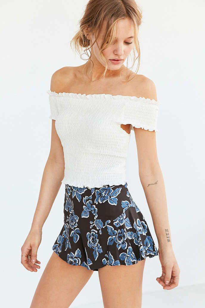 aa8675977acd16 Kimchi Blue Rose Smocked Off-The-Shoulder Top - Urban Outfitters ...
