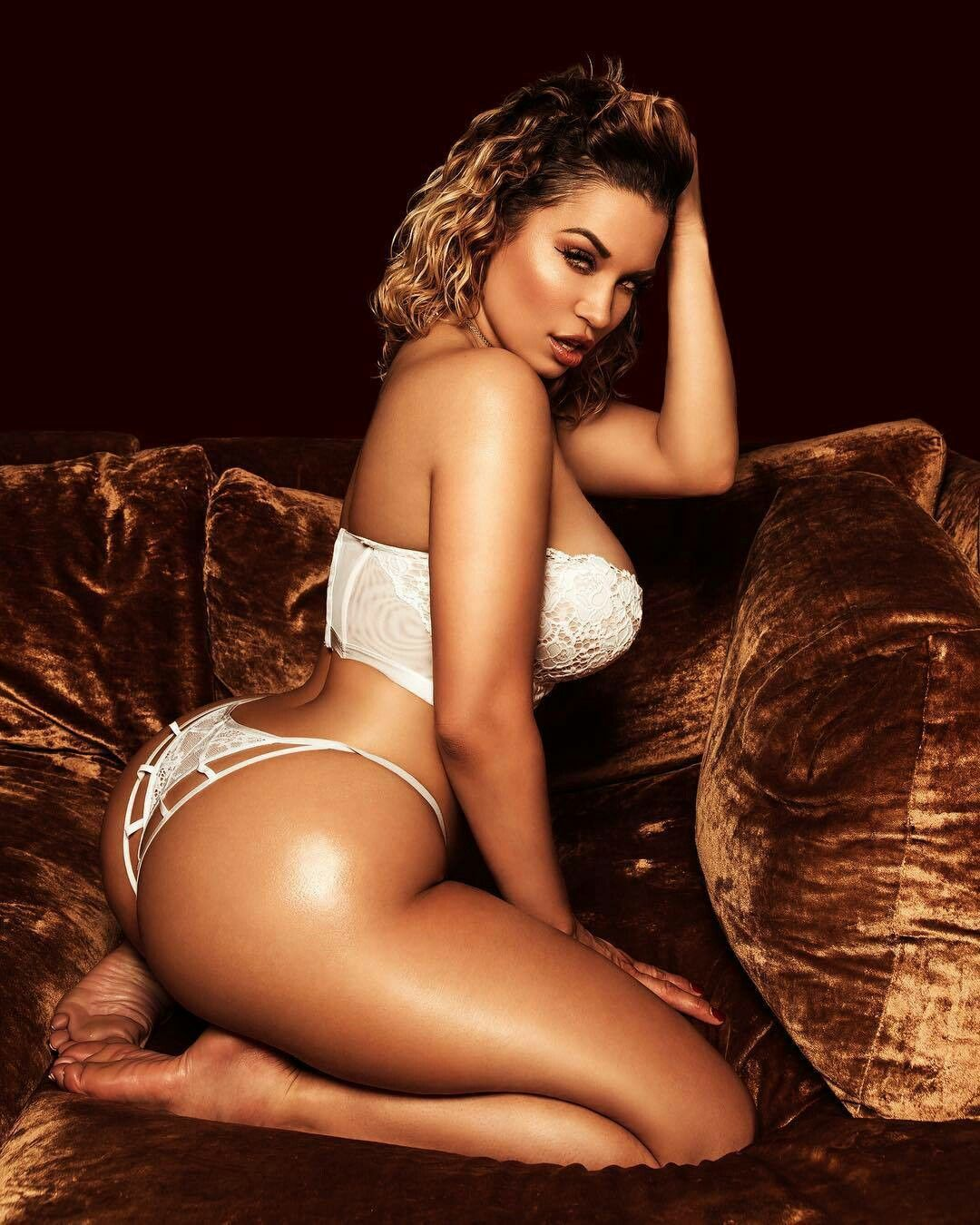 Video Jessica Kylie naked (56 images), Feet