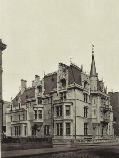 William K. Vanderbilt House, NY. 1878-82. Châteauesque