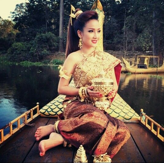 Khmer Traditional Wedding Clothes