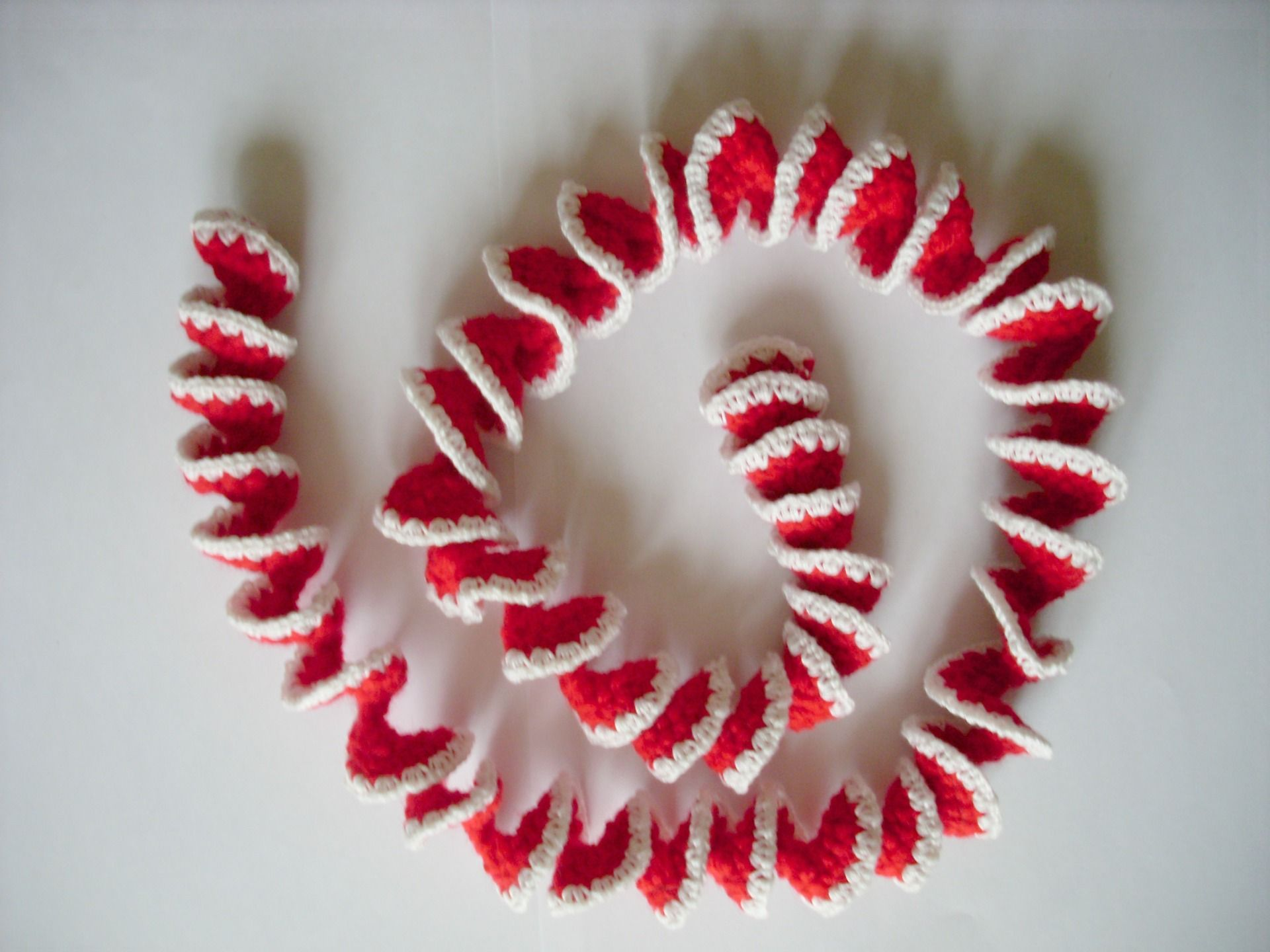 Christmas Decoration, Red And White Wreath Crocheted D Coration De