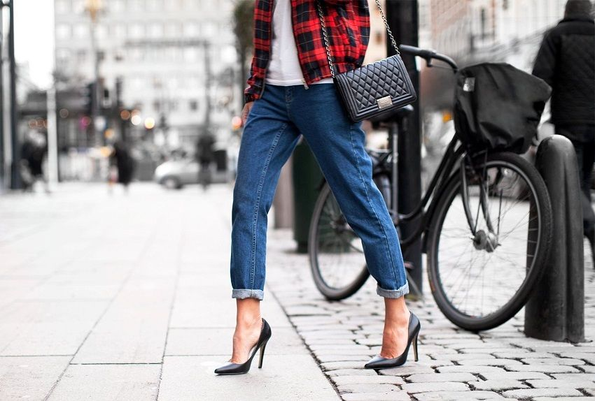 cropped jeans combined with high heels