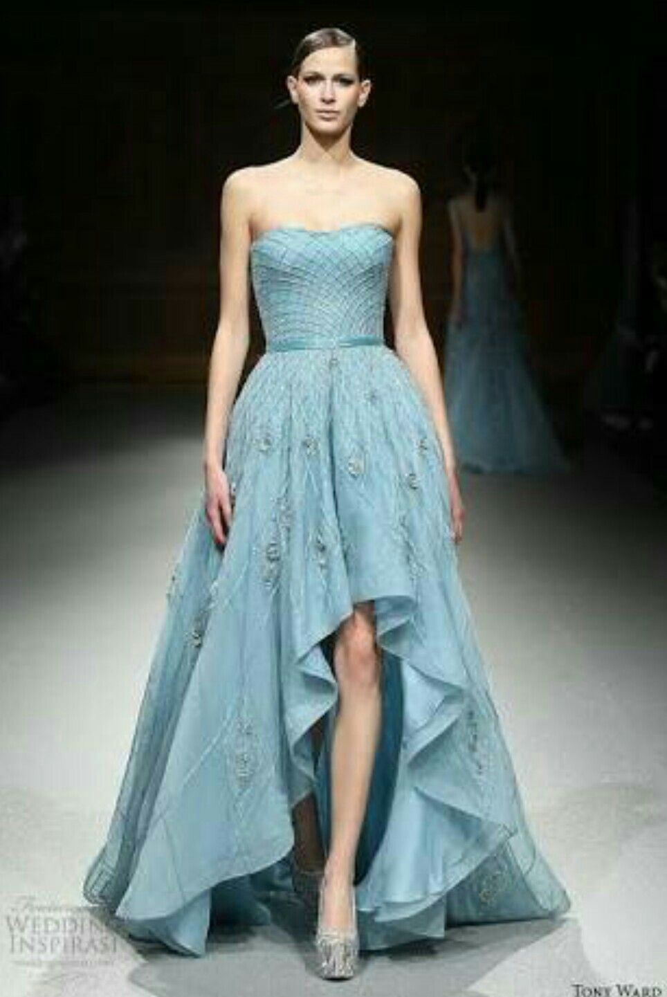 Pin By Arquitrecos Blog On Estilo Debutante Fashion Dresses Couture Fashion Pretty Dresses