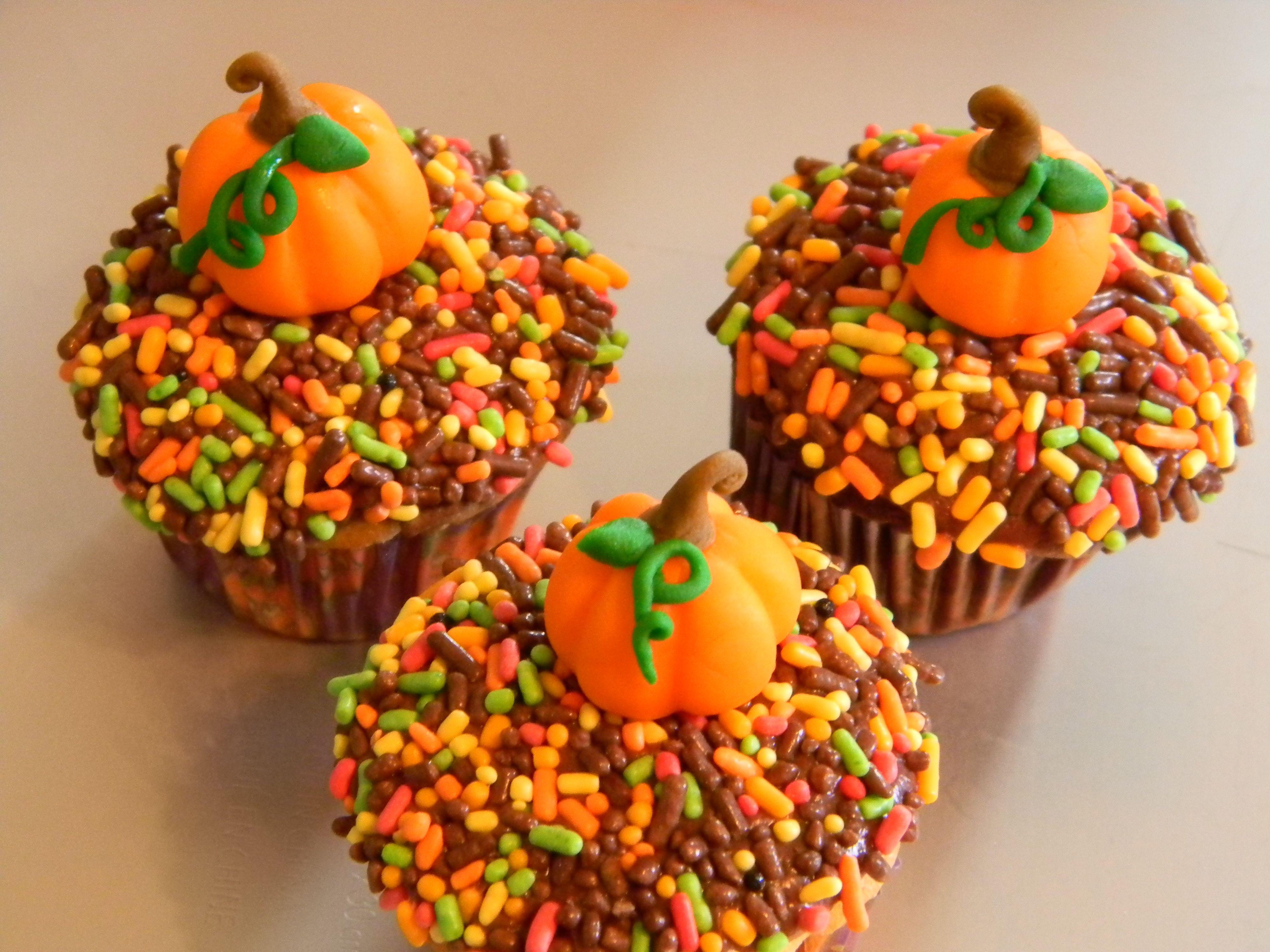 Fall Cupcakes Recipes Dishmaps Autumn Halloween