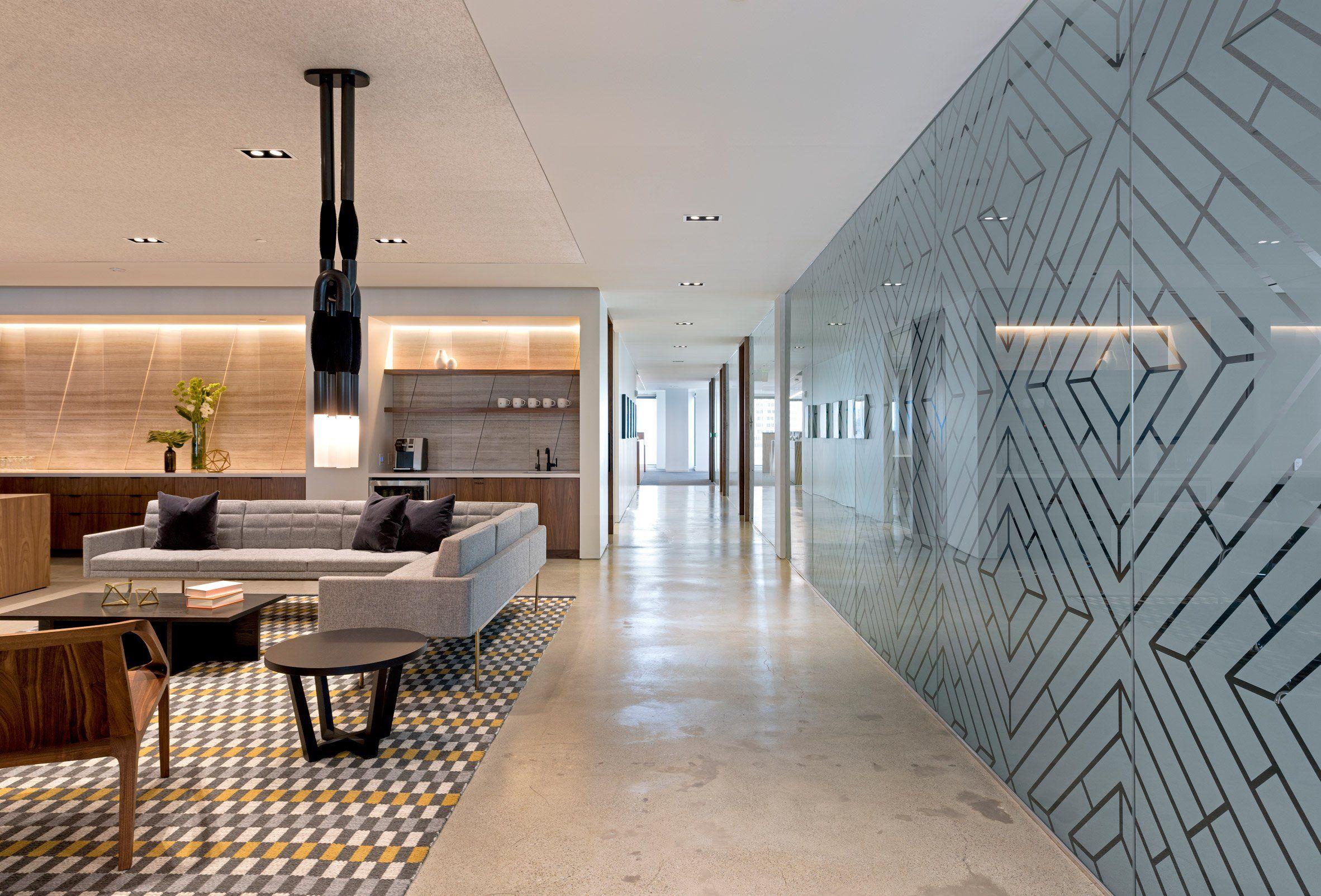 Cambridge Associates by Studio OA Corporate fices