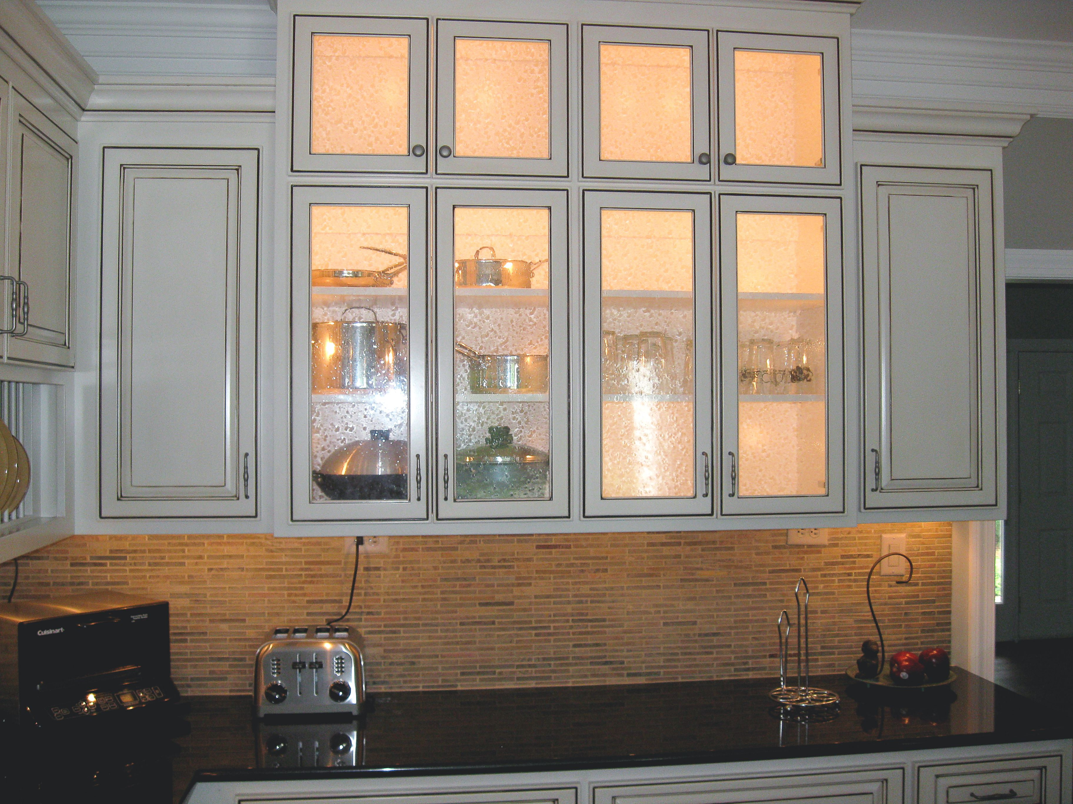 Lighting Can Make A Huge Difference This Custom Kitchen Remodel Includes Under Cabinet Lighting And In Cabinet Home Remodeling Remodel Custom Kitchen Remodel