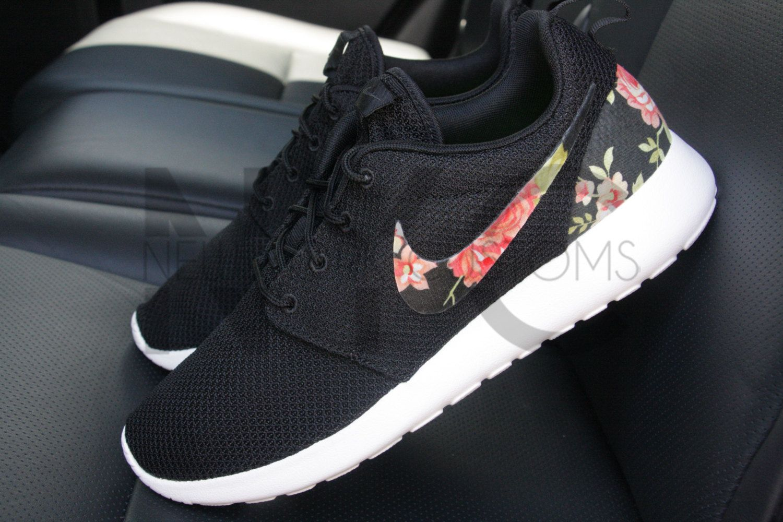 8ae26c924c26 Nike Roshe Run negro rosa para mujeres y hombres de encargo ...