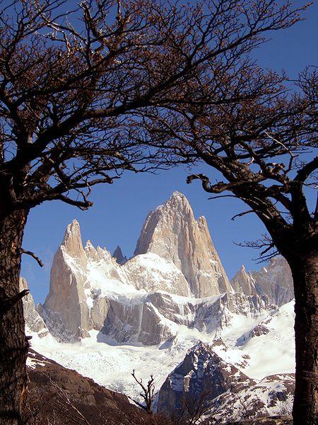 Vue du mont Fitz Roy ou Chalten en province de Santa Cruz, à la frontière chilienne.