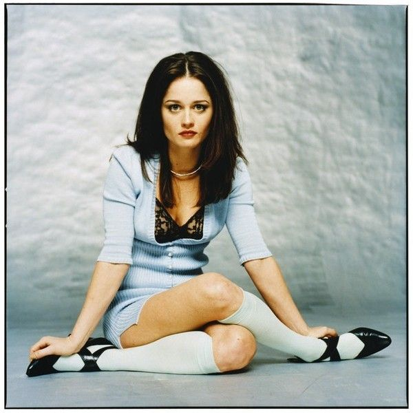 The Toe Cleavage Blog: Nude! - Robin Tunney