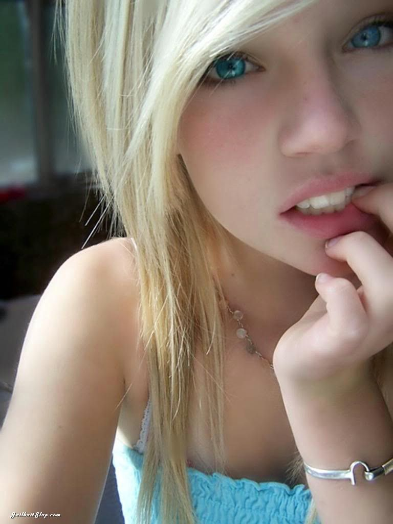 Cute teen nude cum on lips