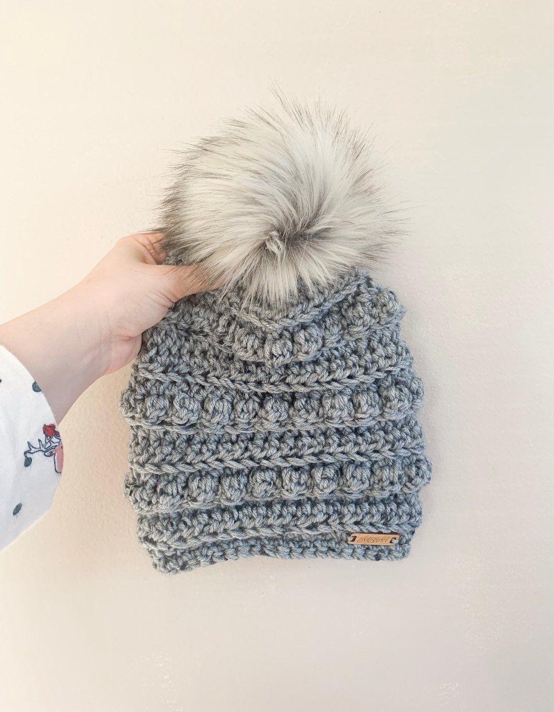 10b1687ea6e5e Womens Toboggan Hat / Ski Hat/ Winter beanie / Beanie with fur pom ...