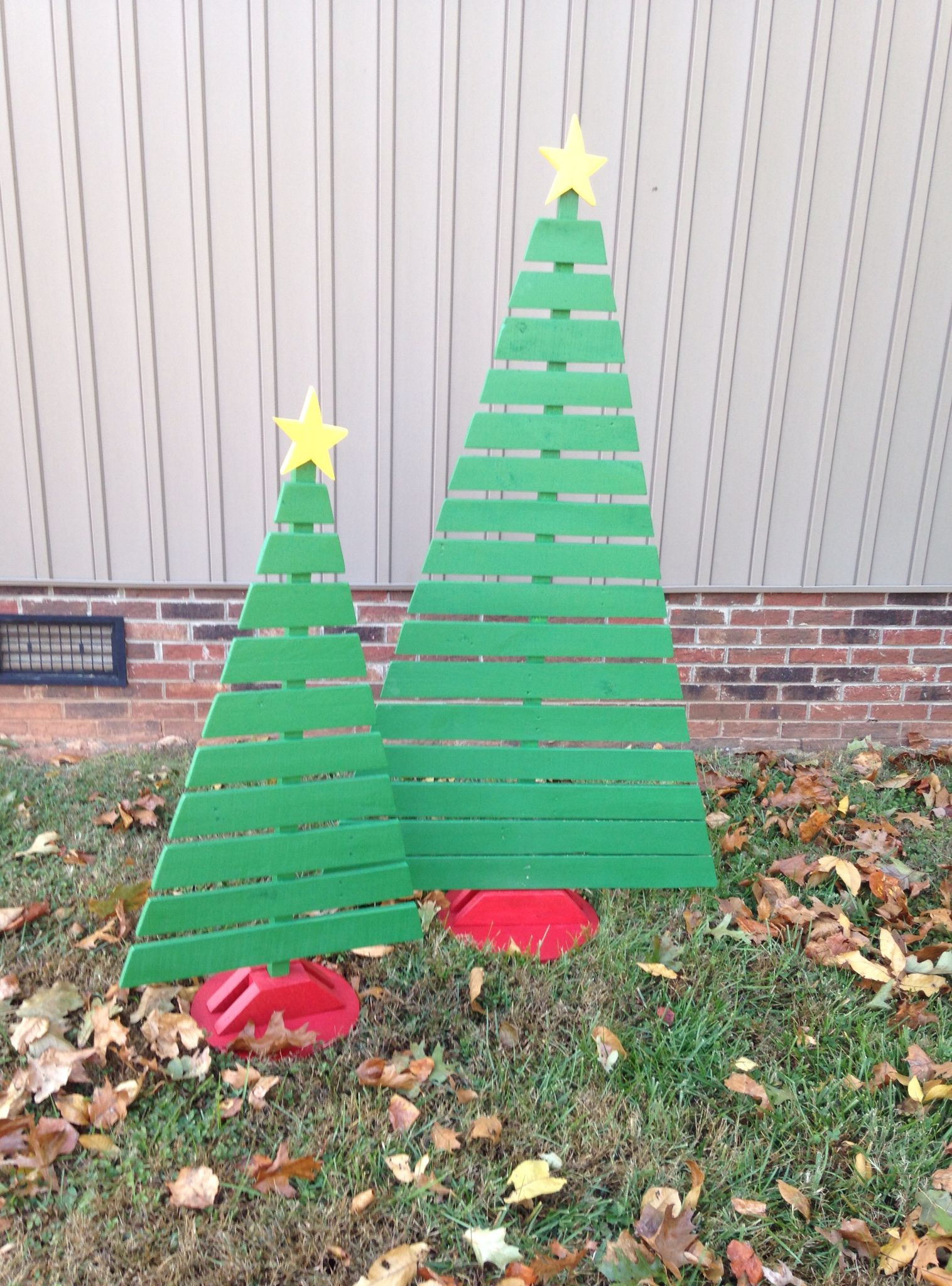 Christmas Trees Made From Old Pallets