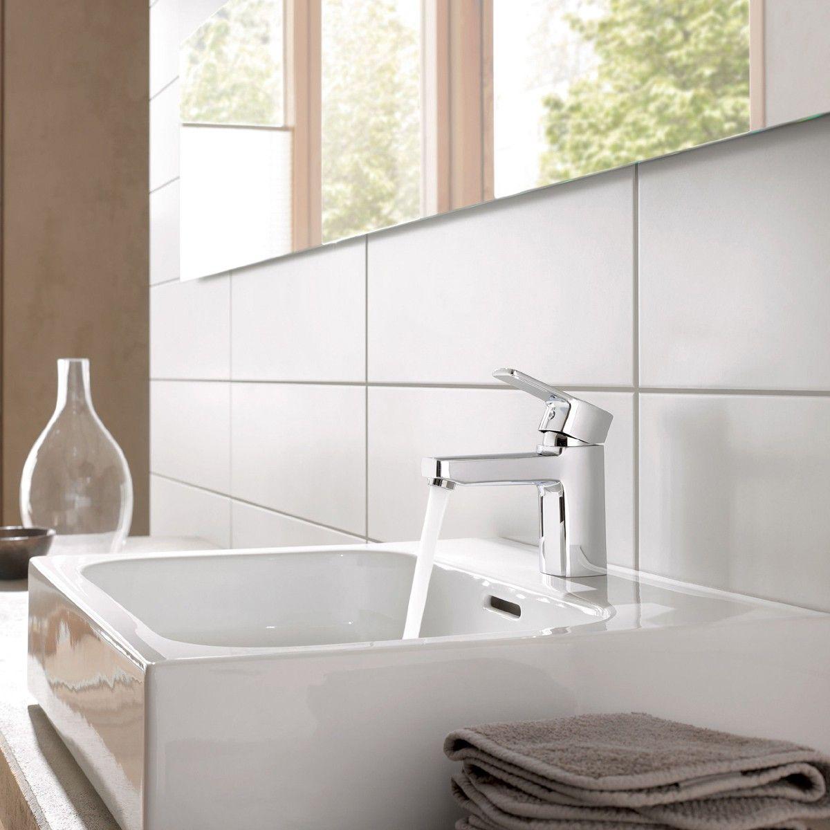 Flat Matt White Ceramic Wall Tiles White Bathroom Tiles Tile