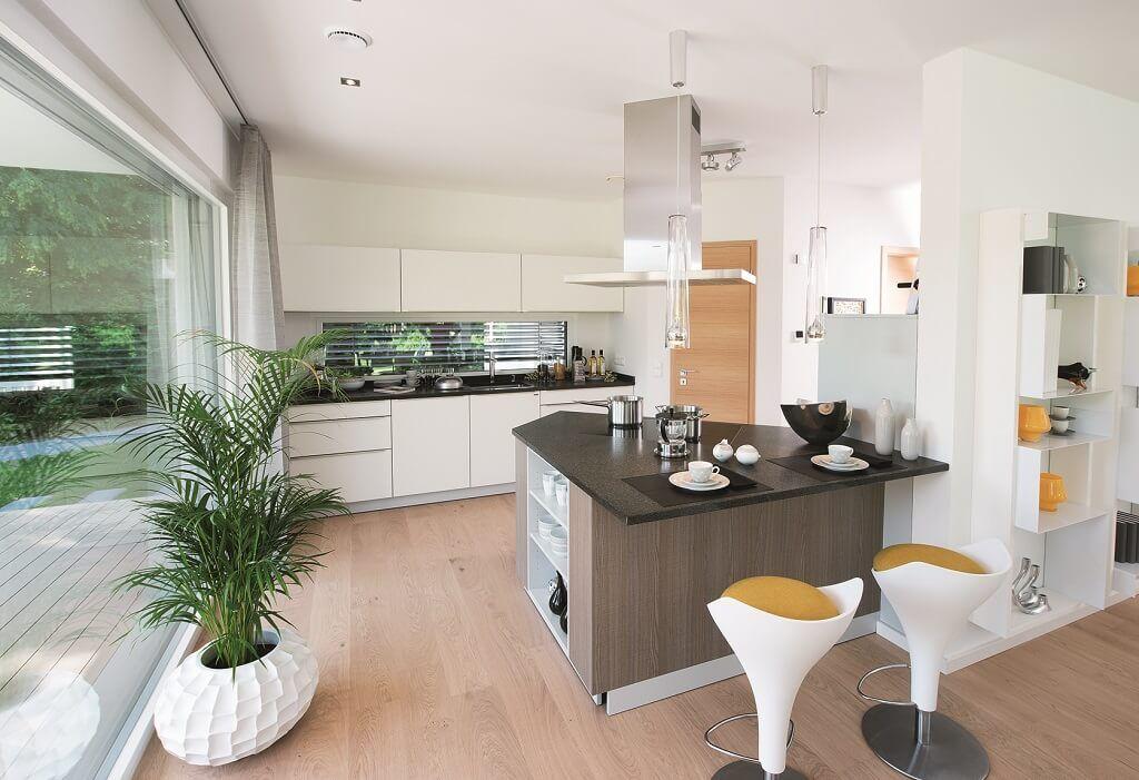 Offene Küche mit Kochinsel und Tresen - Ideen Einrichtung Haus City - Küche Einrichten Ideen
