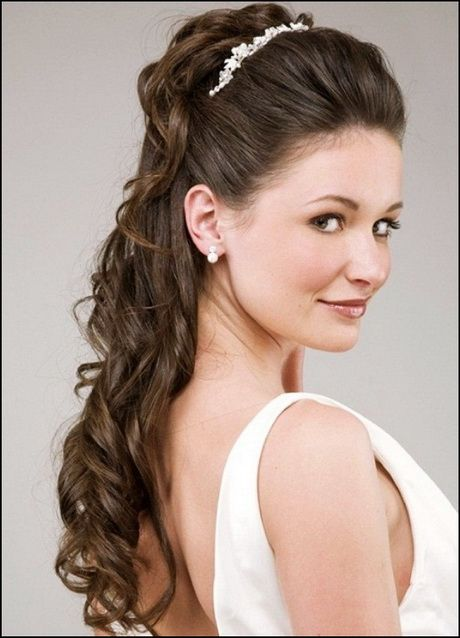 Image Result For Half Up Half Down Wedding Hairstyles With Tiara And Veil Medium Hair Styles Headband Hairstyles Wedding Hairstyles For Long Hair