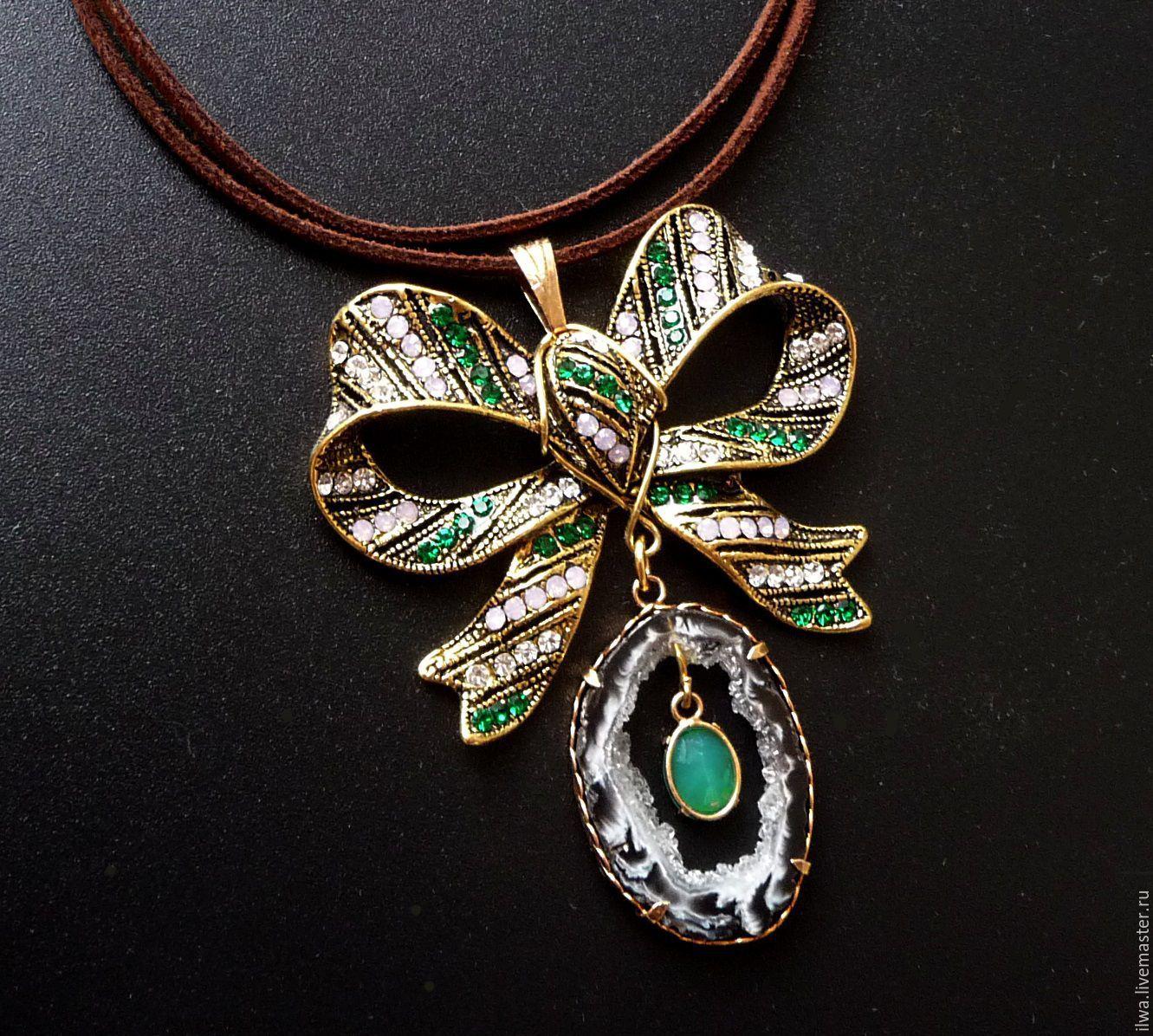 Купить Бант на шнуре - бант, изящное украшение, женское крашение, на особый случай, зеленый камень