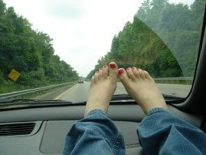 How To Make the Ultimate Road Trip Playlist