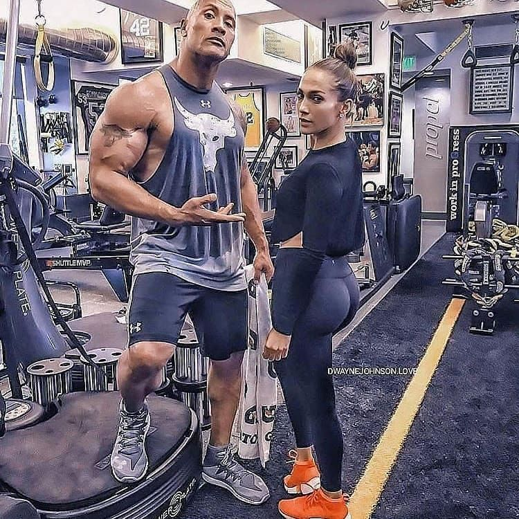 Morning workouts with @jlo . . . . . Double tap for @therock . . . . Follow @therock.dj.fitness for...