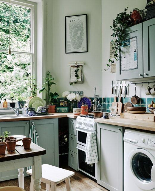 use wall storage in a compact kitchen  gemütliche