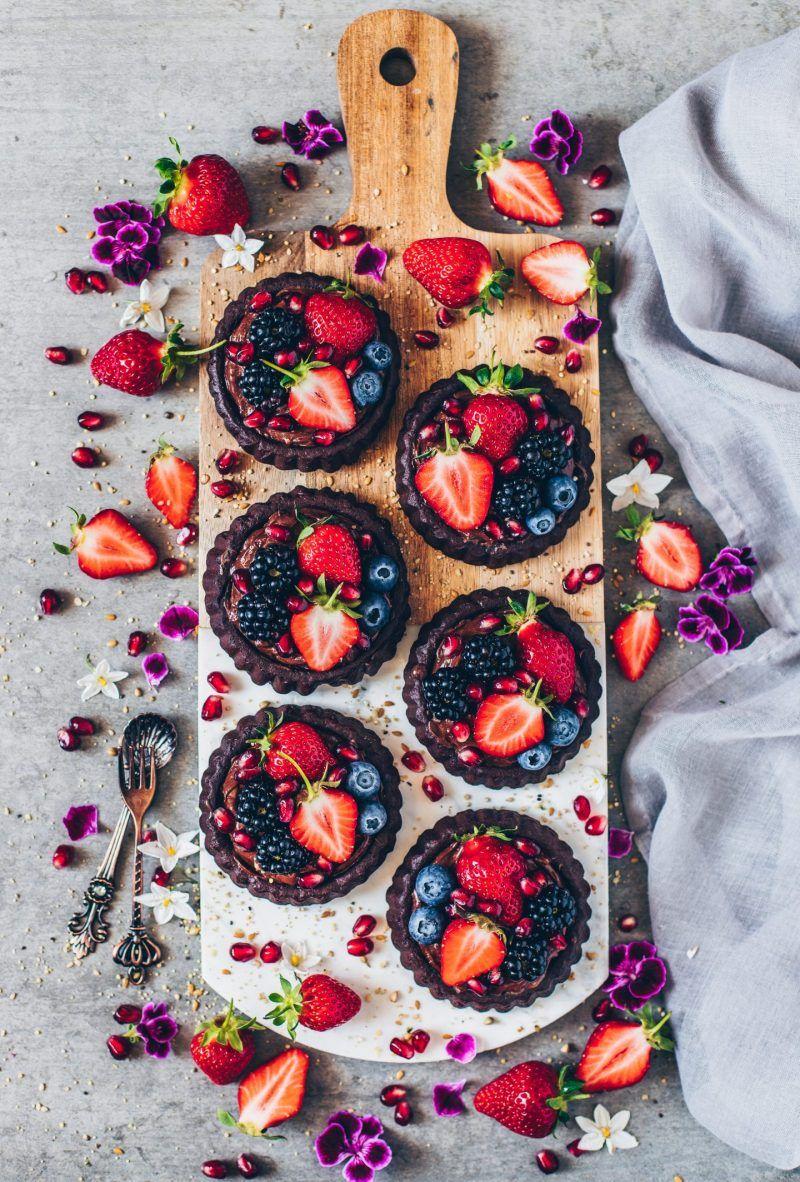 Vegane Schoko-Törtchen mit Avocado-Schokoladen-Pudding #holidaytreats