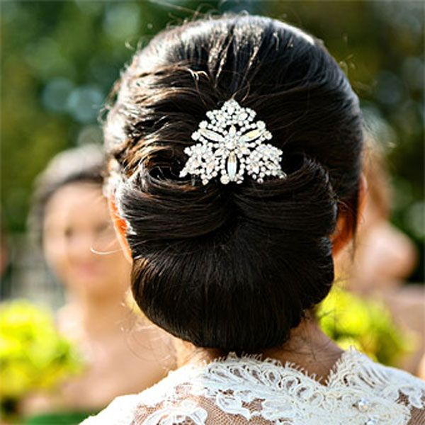 Romantic Wedding Hair Up Dos With Hair Jewelery Http