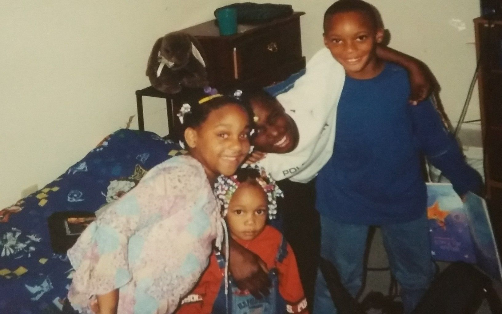 #Tbt I was enjoying with my cousins while in M.S. visiting