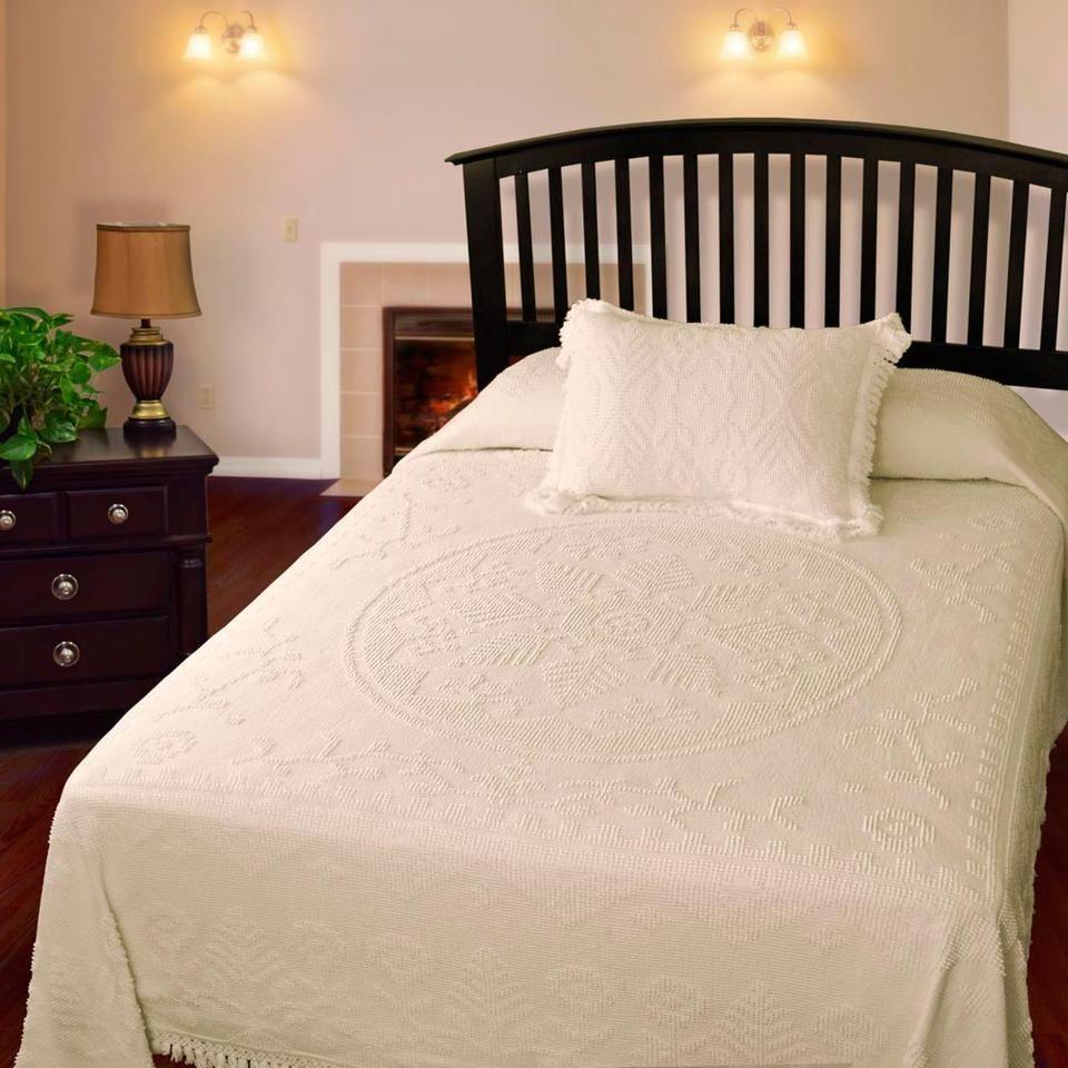 New England Tradition Bedspread