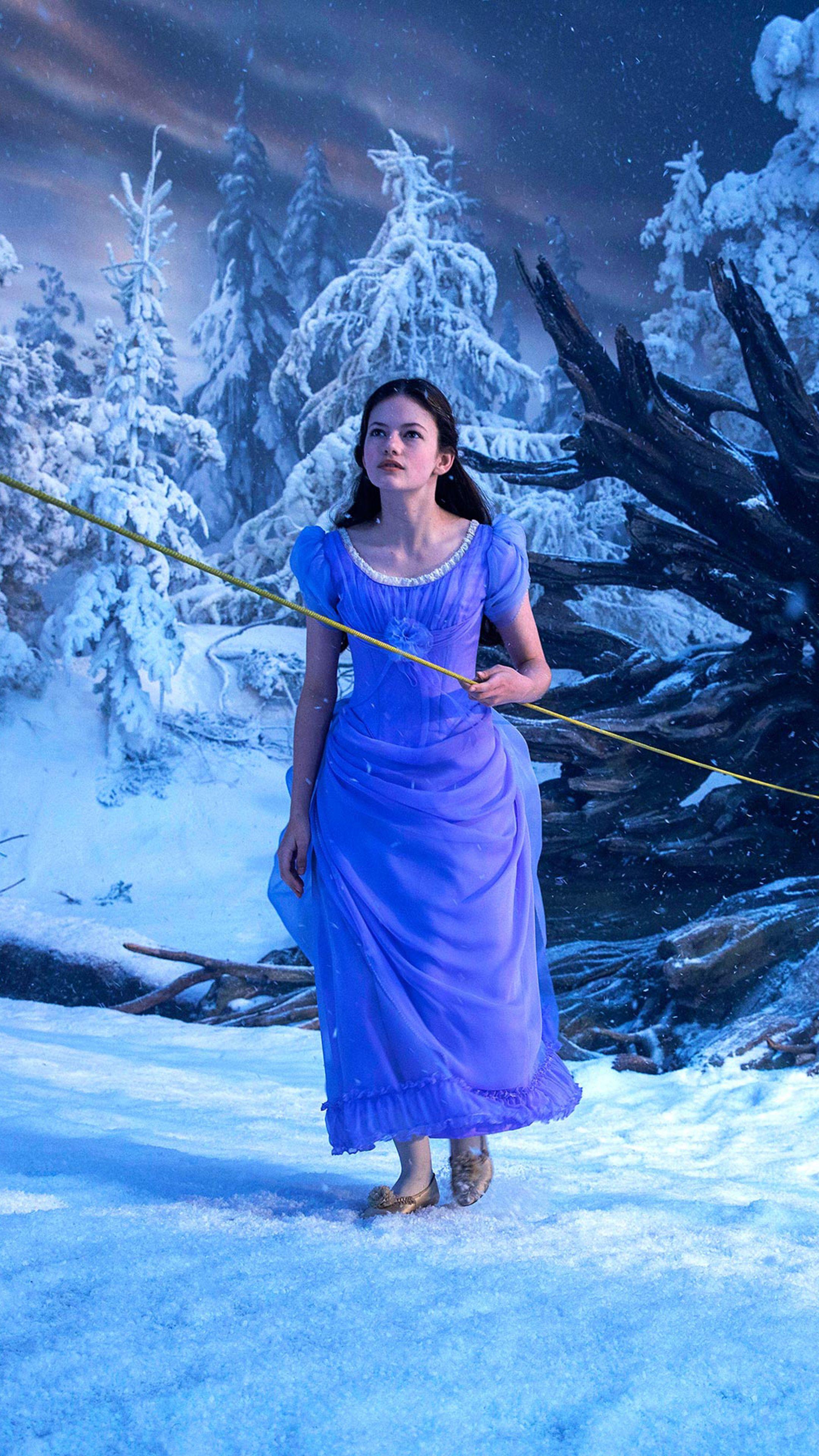 Mackenzie Foy as Clara in The Nutcracker and the Four Realms (2018) (2160 x  3840) d03ea2c6d740