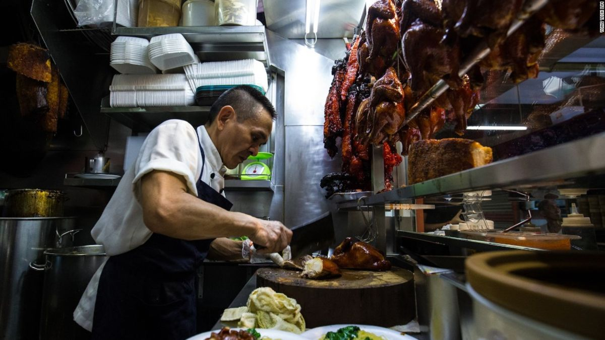 World's cheapest Michelin-star meal is in Singapore   Singapore food. Thai street food. Food