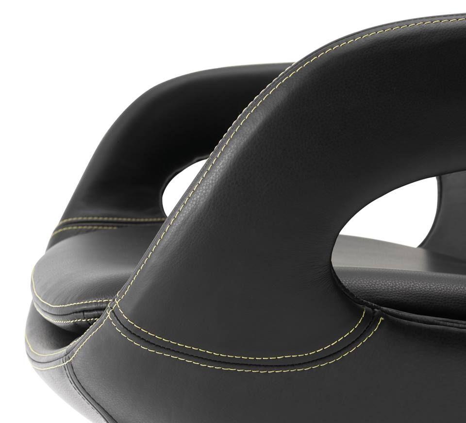 petit conseil d 39 entretien pour votre cuir utilisez 2 4 fois par trucs astuces linge. Black Bedroom Furniture Sets. Home Design Ideas