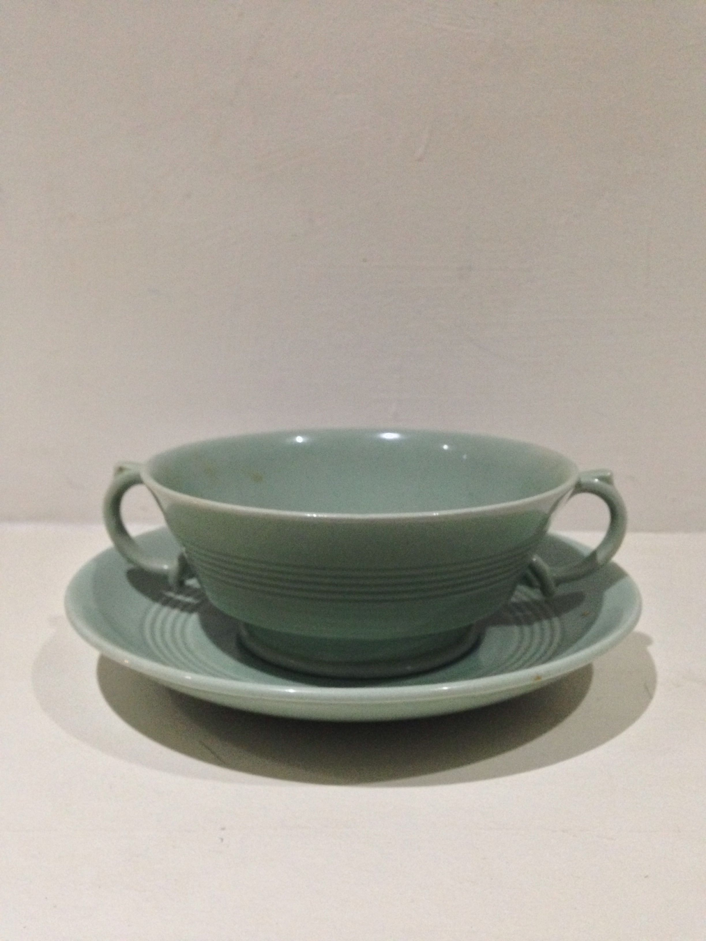 Beryl woods ware soup cup 1930s Collectible dishes