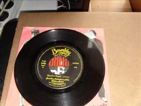 Jonathan Richman   Egyptian Reggae  Générique de mon émisison de radio des années 80 (Les Fraises des Bois Attaquent!)
