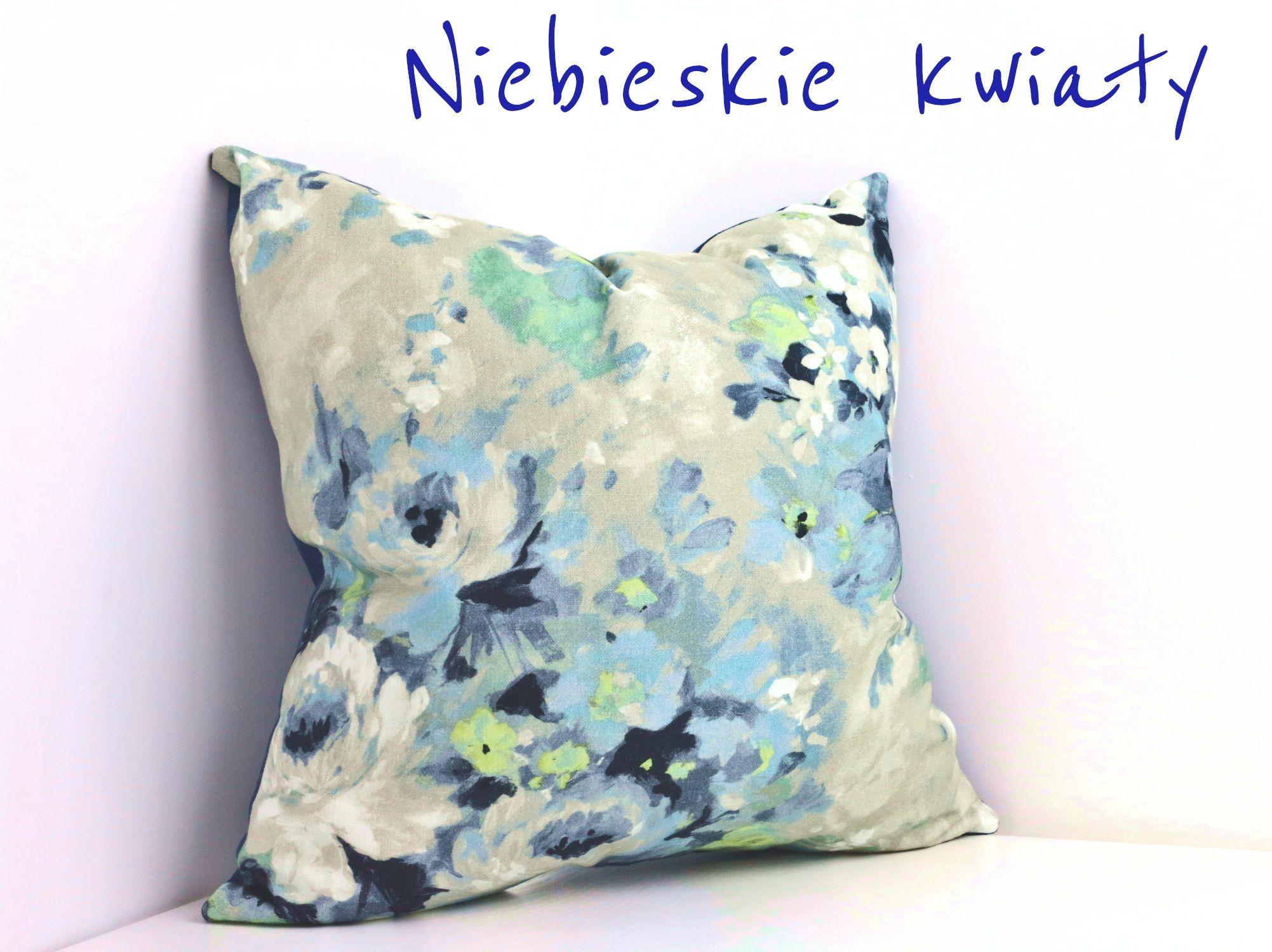 Poduszka Dekoracyjnaniebieskie Kwiaty 9800 Pln