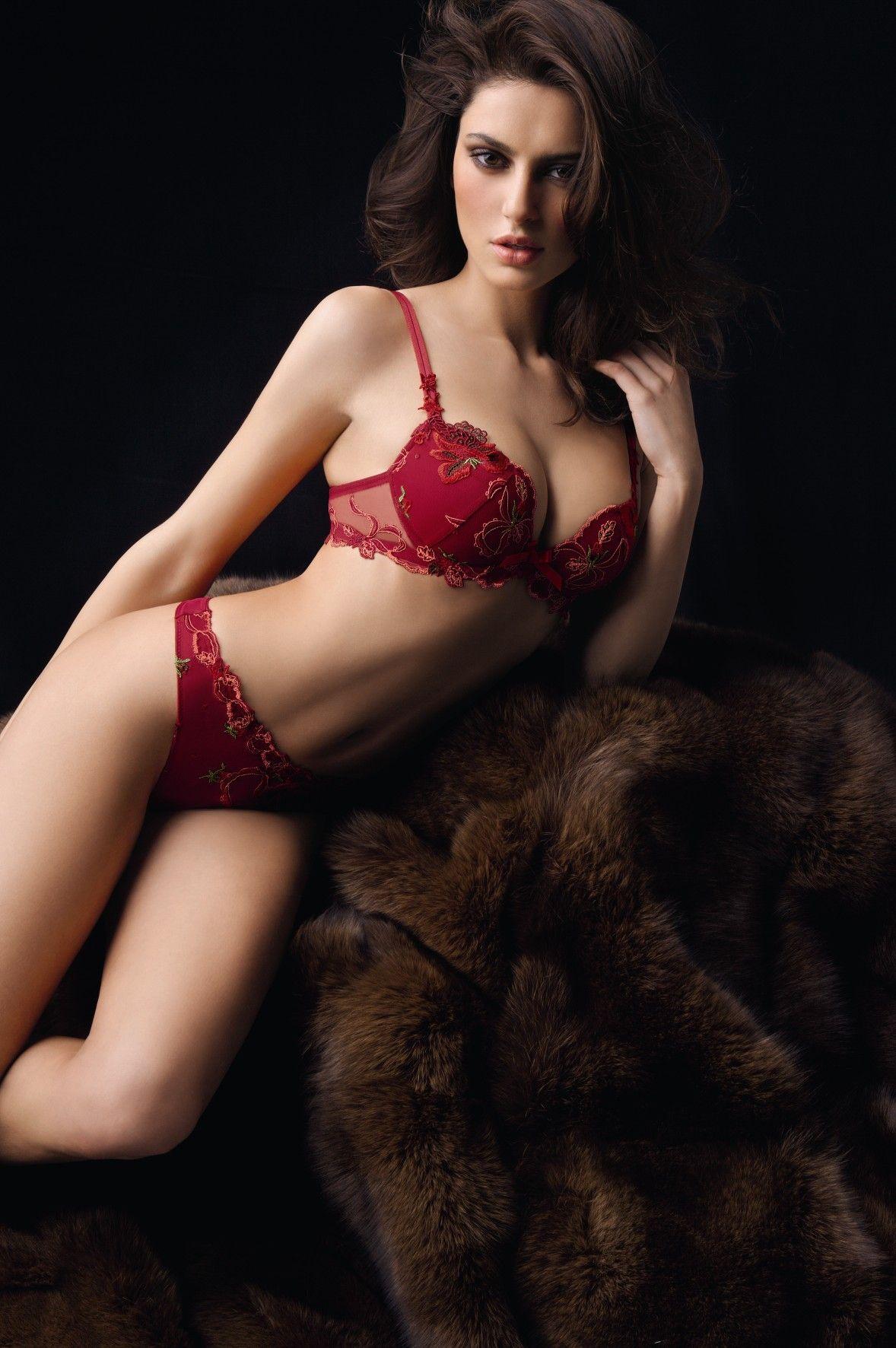 Leaked Catrinel Menghia nude photos 2019