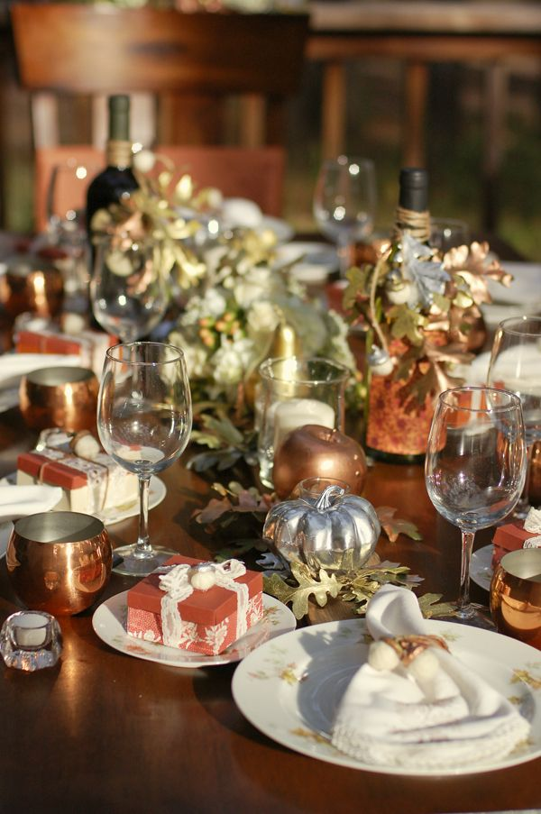 Nice Fall Harvest Table Decor. (The Fruit, Pumpkins, And Leaves Are Sprayed