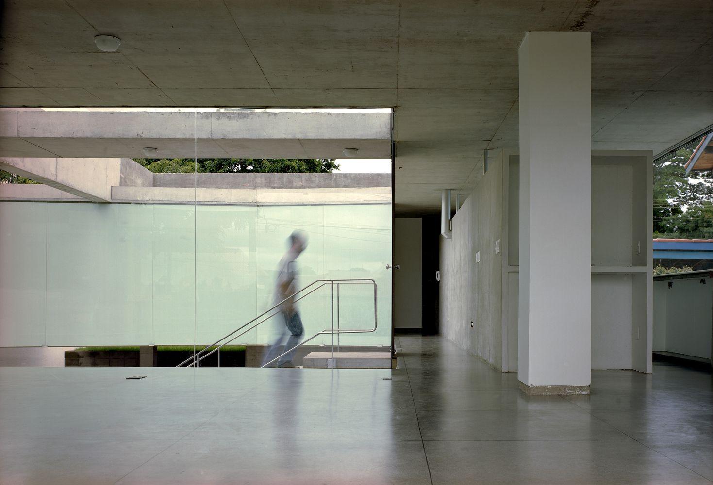 Galeria de Casa em Ribeirão Preto / MMBB Arquitetos + SPBR Arquitetos - 13