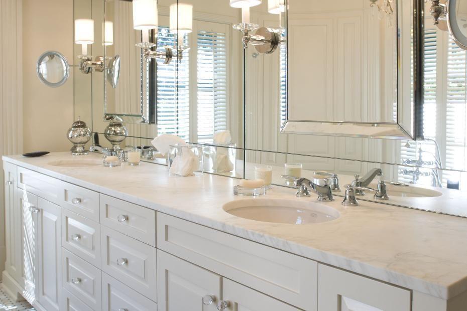 Classic Master Bathroom Design In White Master Bathroom Vanity