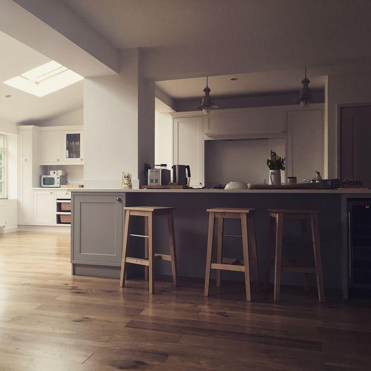 Burford Place Open Plan Kitchen With Breakfast Bar Island: Image Result For Breakfast Bar Around Pillar