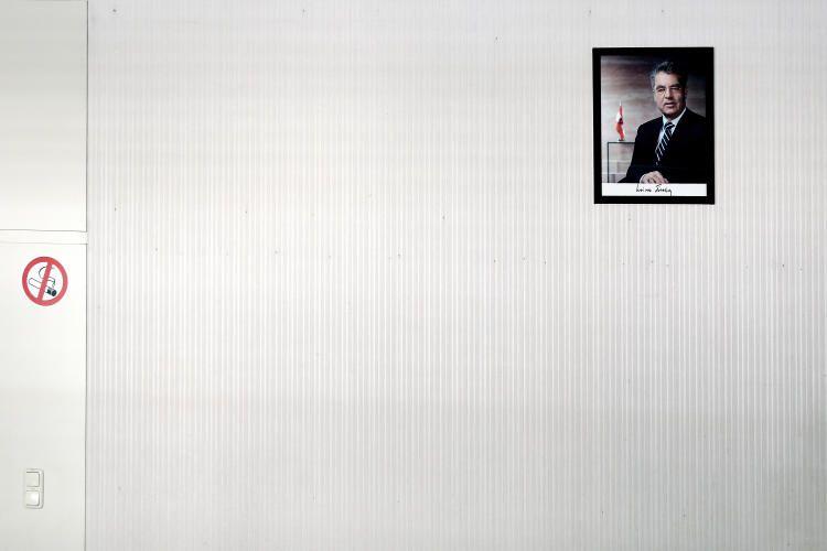 """02. Juli 2016 : """"Es folgt: das Gerangel um den Platz im Rahmen"""" Mehr Bilder auf: http://www.nachrichten.at/nachrichten/fotogalerien/weihbolds_fotoblog/ (Bild: Weihbold)"""