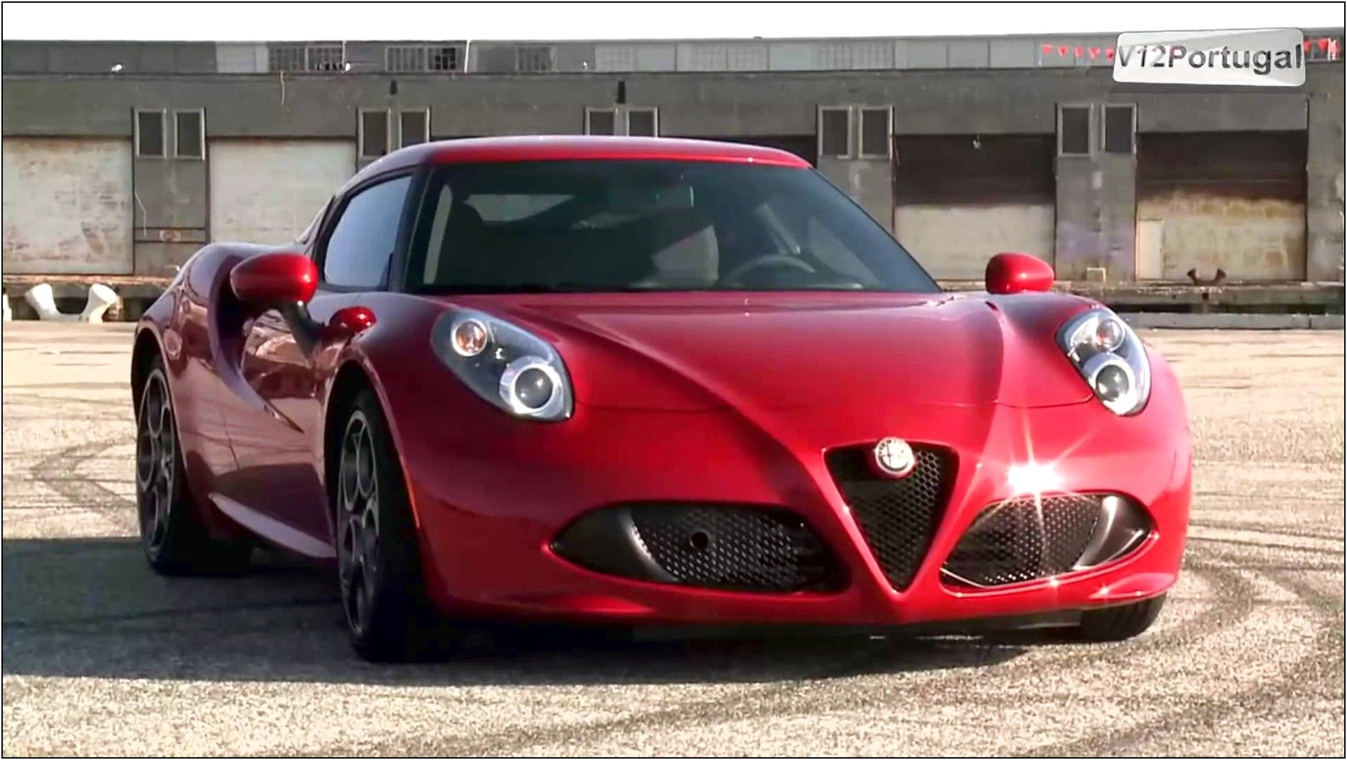 2015 Alfa Romeo 4c Red Color Wallpaper New And Used Cars Online