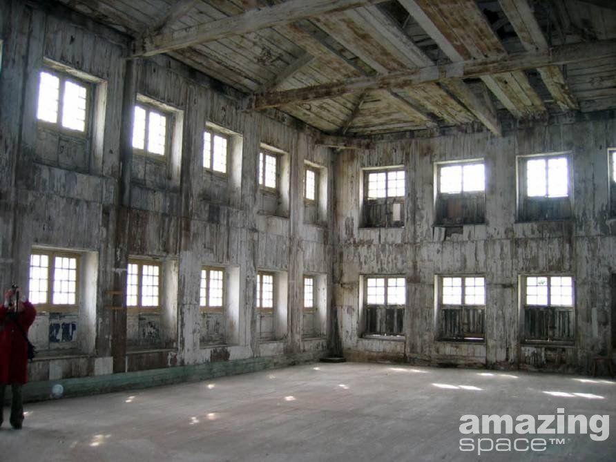 Victorian Style Warehouse Empty Room Sunny Open White