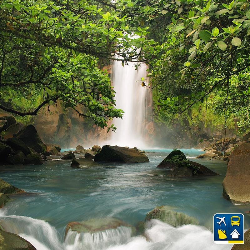 A gente quer saber: quem você gostaria de levar pra mergulhar com você no Rio Celeste, na Costa Rica? Conta pra gente nos comentários ;) Quer saber mais sobre esse paraíso natural, um dos mais belos rios do nosso continente? Visite o Blog Clube Dos Viajantes e confira nosso post. ;)
