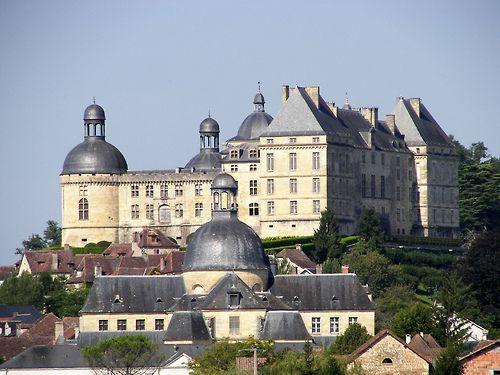Château de Hautefort - architects Nicolas Rambourg and Jacques Maigret, Hautefort, France (by papoum)