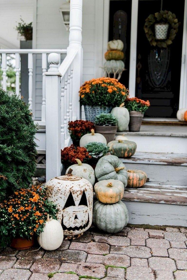 29+ Smart DIY Fall Decor Ideas Small Porch #smallporchdecorating