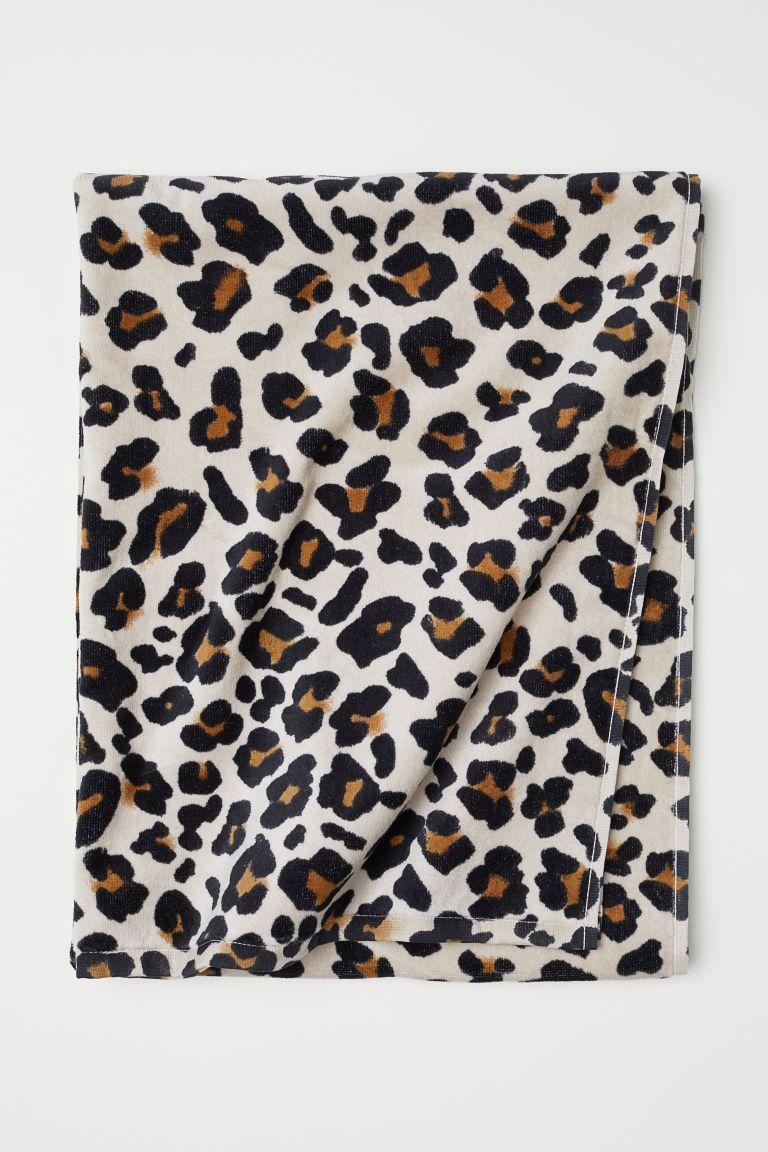 Bath Towel Beige Leopard Print Home All H M Us Towels
