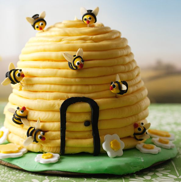 Hive Cake Recipe Smiley Birthday Cakes And Bees