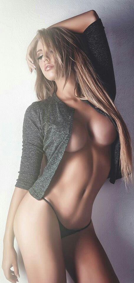 Xxx Small tits big ass pics at round ass porn