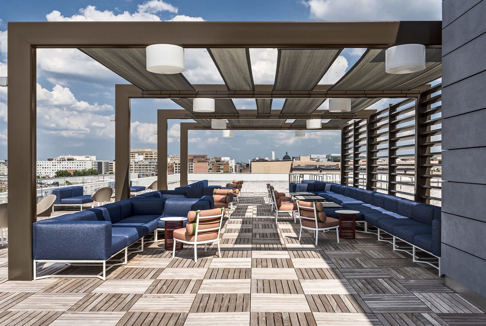 A Tour Of Lincoln Property Company S Washington Dc Office Architect Design Office Space Terrace Design