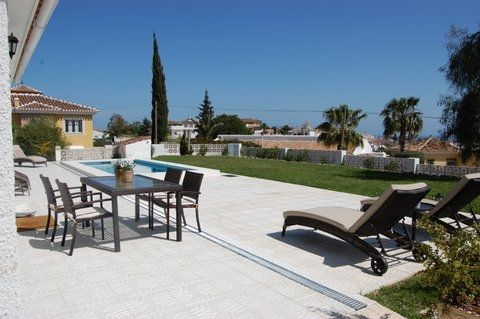 Hold ferie i Mijas' smukke bjerge, kun 5 minutter fra Fuengirolas strande! #Mijas #Fuengirola #Feriebolig